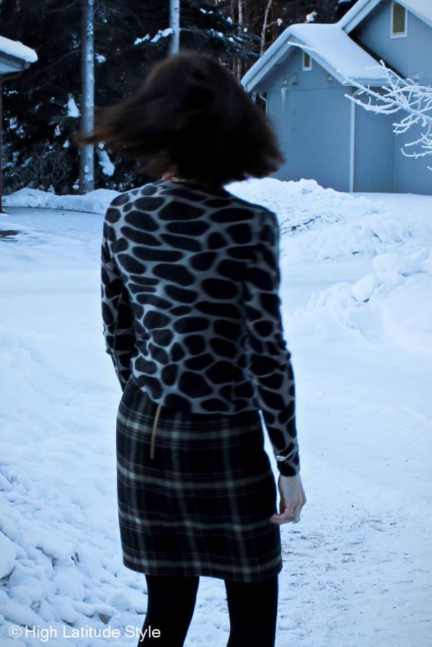 #maturefashion woman in sheath dress outfits with giraffe sweater