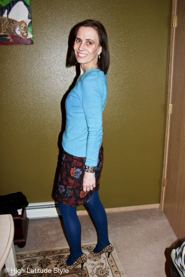 #fashionover40 work outfit in Northern lights inspired colors