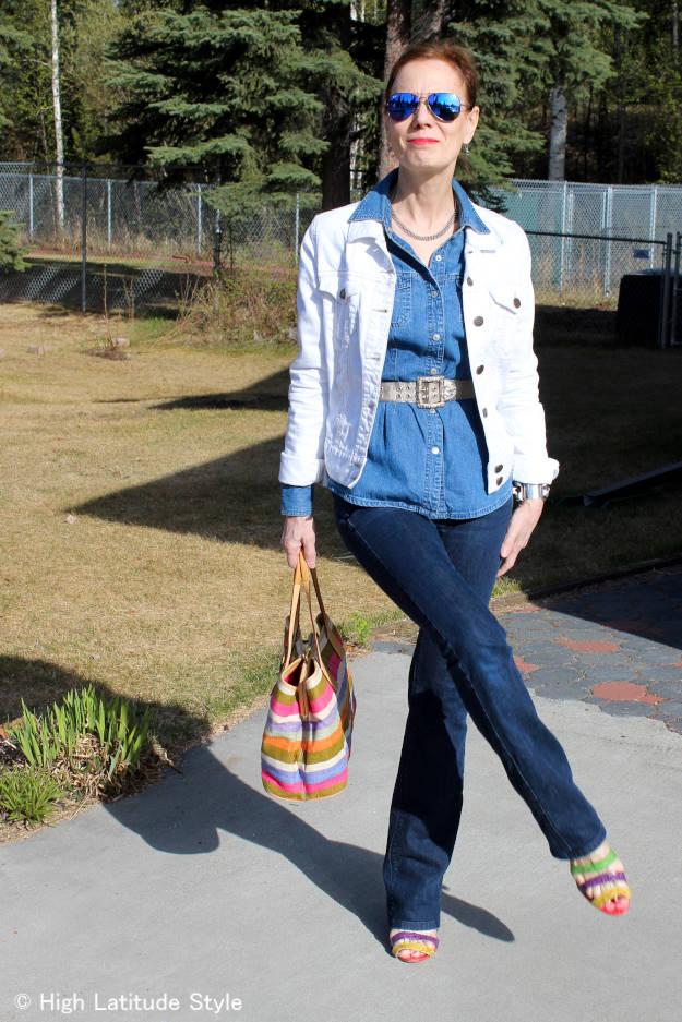 Blogger Nicole donning Texas tuxedo style