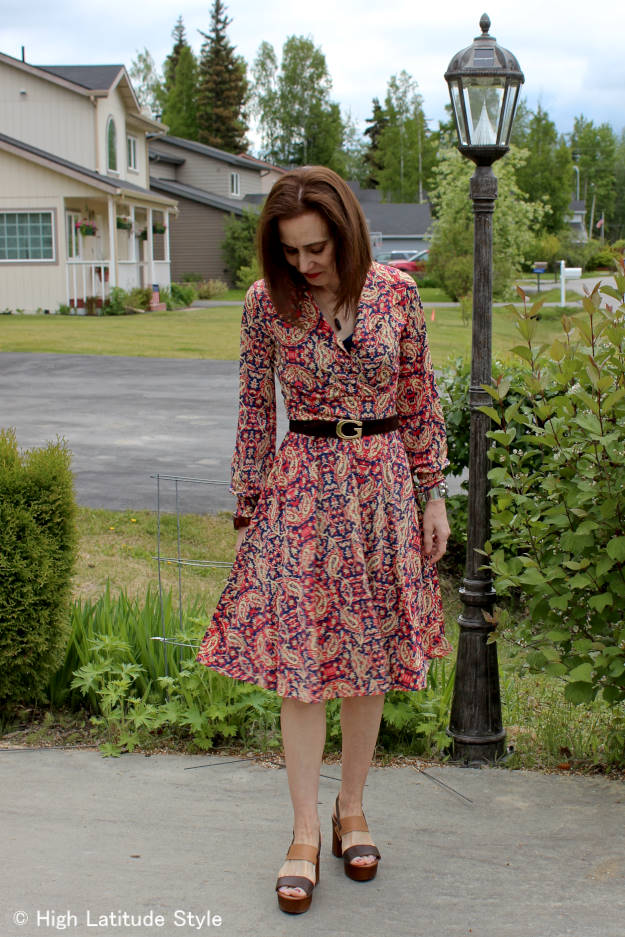 mature summer work outfit with Musse&Cloud sandals