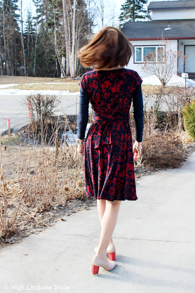 #fashionover40 Floral dress for work @ http://www.highlatitudestyle.com