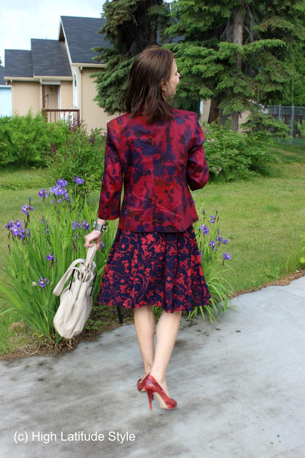 #fashionover50 woman in posh dyed blazer with floral dress