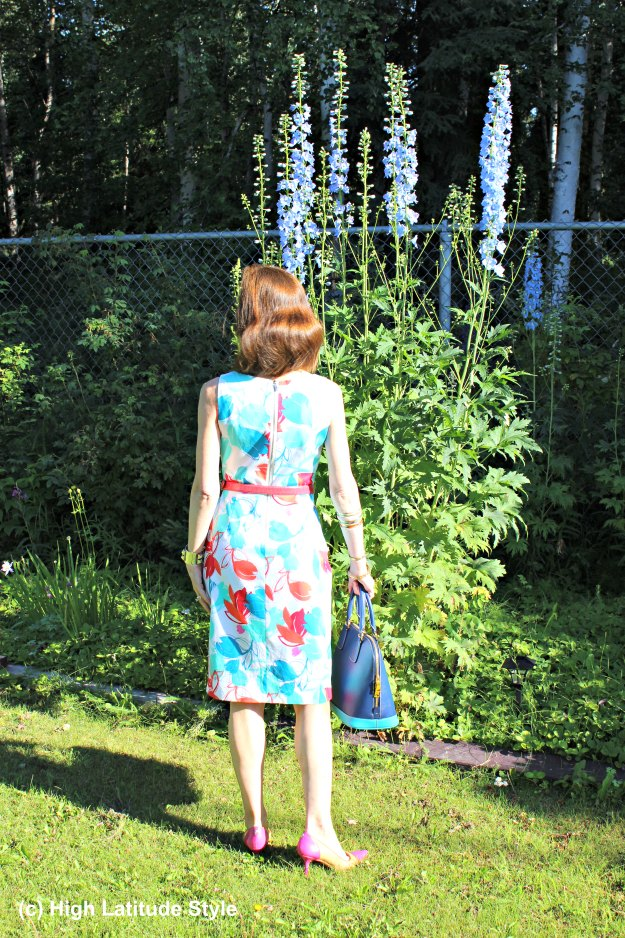 fashion blogger in chic summer dress