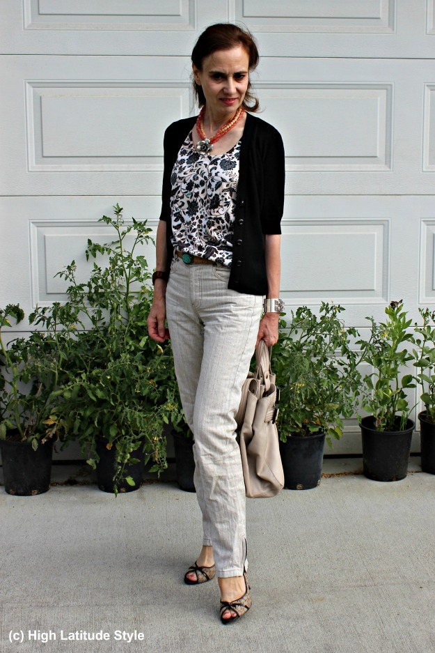 #styleover50 mature woman in unmatched twin set and linen pants