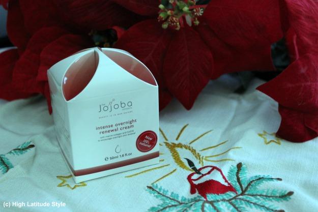 Jojoba intense overnight renewal cream package