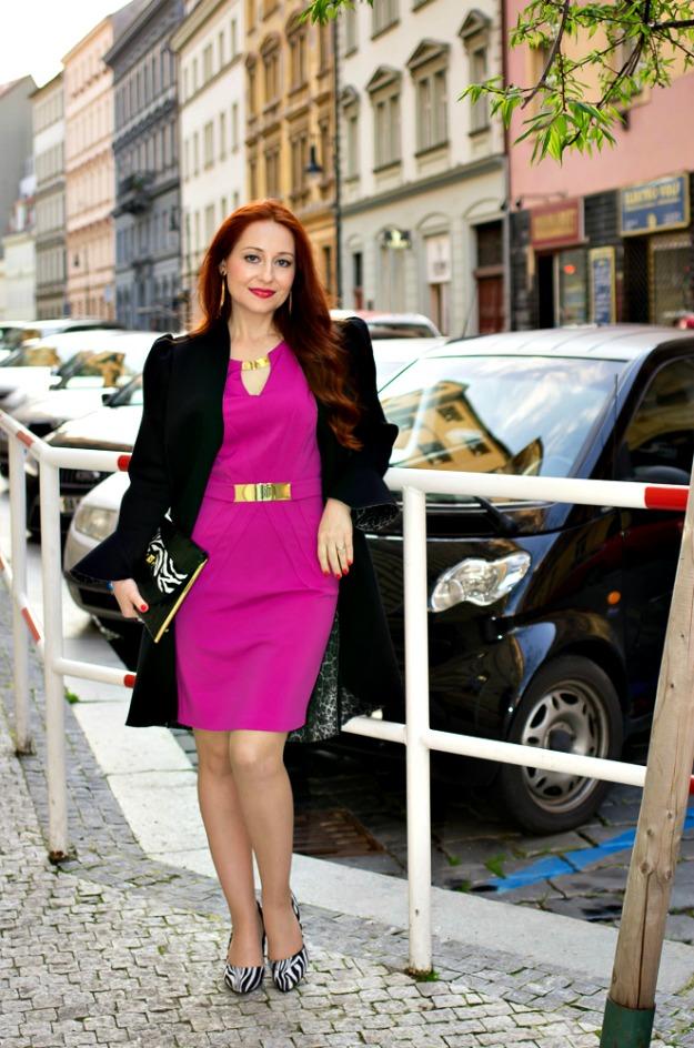 mature Euro Chic: Martina in a sheath with zebra pumps