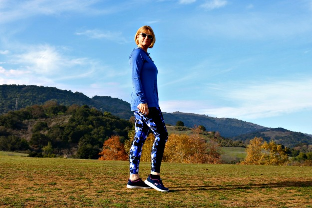 #styleover40 fitness blogger Andrea in stylish athleisure gear