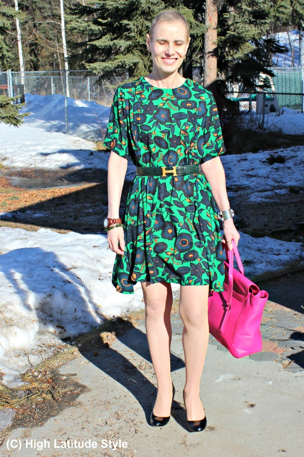 fashion over 40 woman in abstract floral and paisley print look