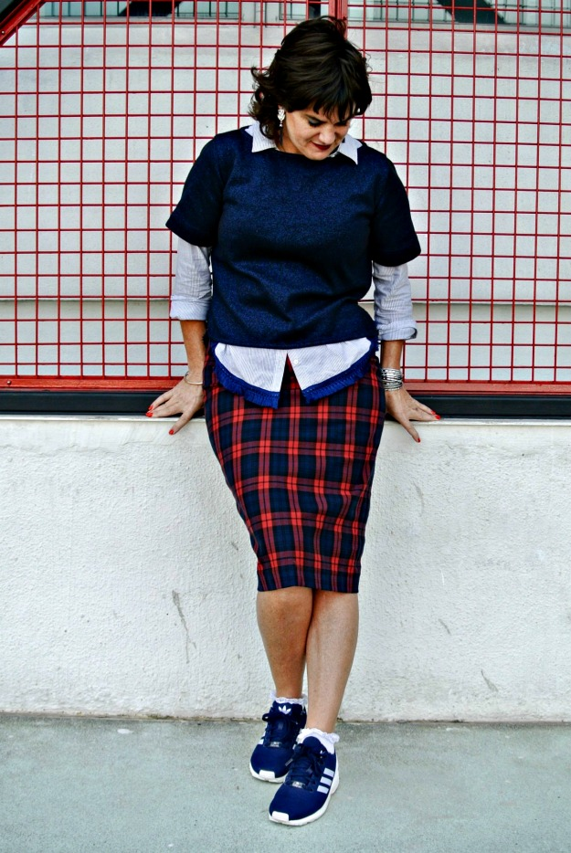 #streetstyle sneakers with midi skirt are a do