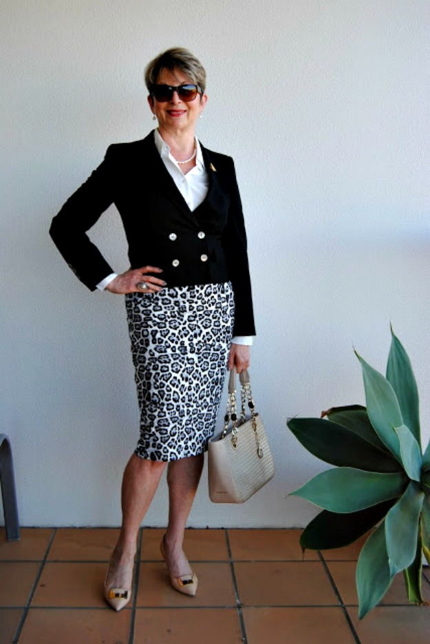 #fashionover50 woman in business casual office look