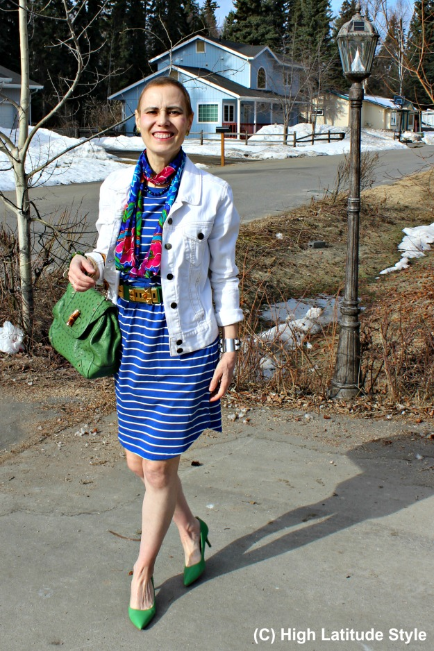 #fashionover40 woman in mixed prints
