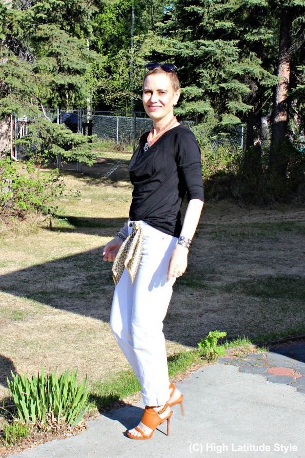 fashion over 50 woman in jeans and top