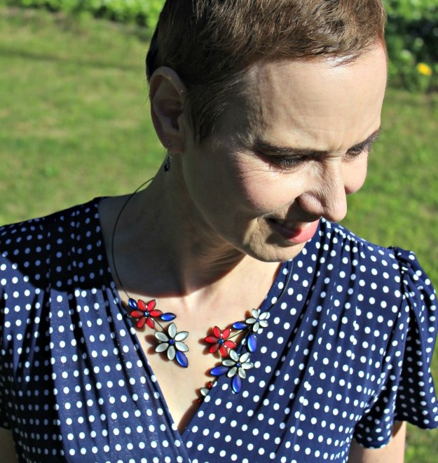 Uno Alla Volta Czech glass flower necklace