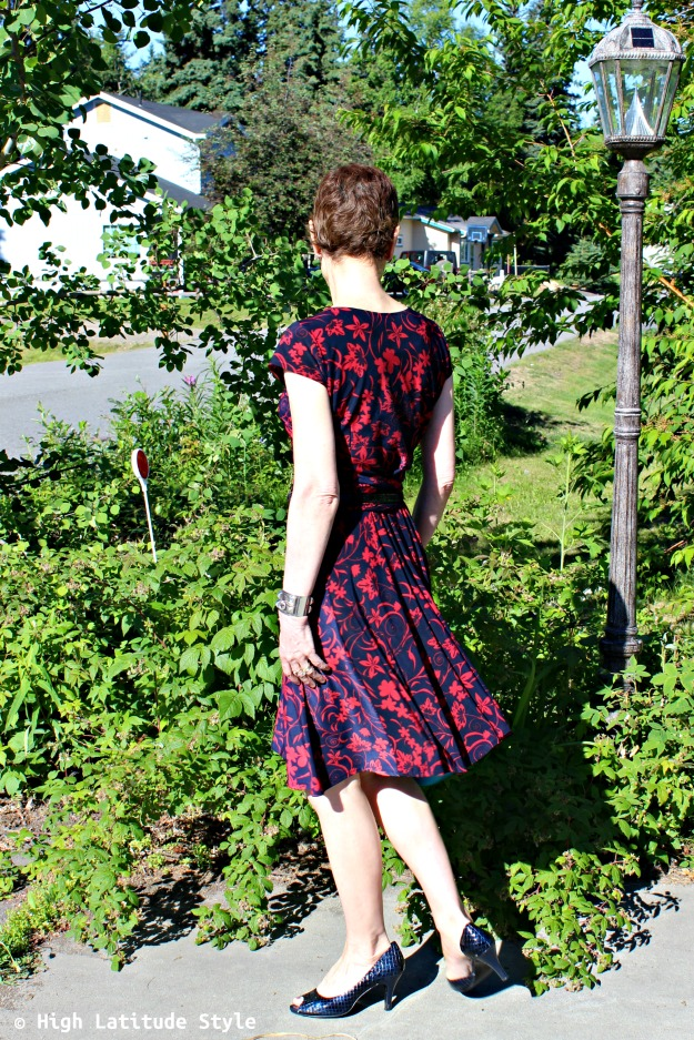 fashion over 40 woman in red-blue floral dress