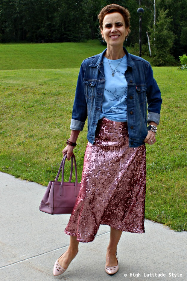 #fashionover40 woman in blue and pink outfit