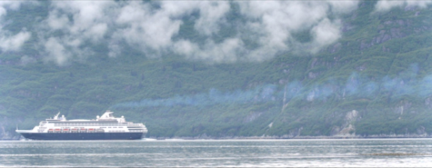 #Alaska #GlacierBay cruise ship travel in Glacier Bay National Park