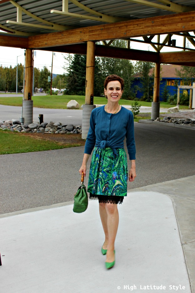 #midlifestyle over 50 year old in green dress and pumps