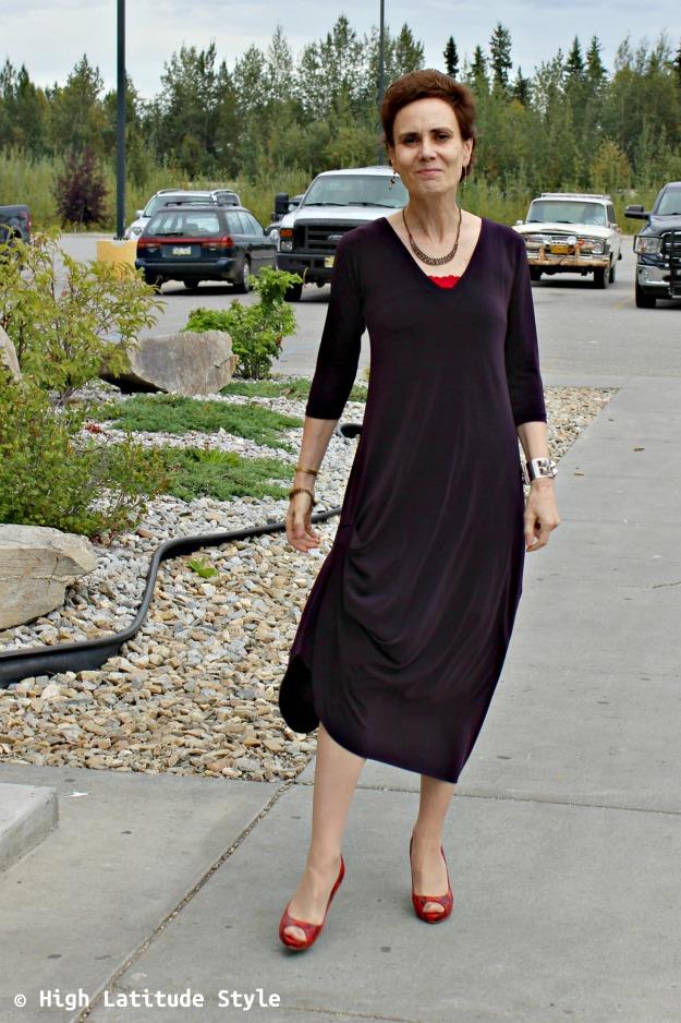 fashion blogger looking posh in a Sympli drama dress