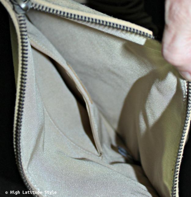 #UnoAllaVolta view into the designer purse interior