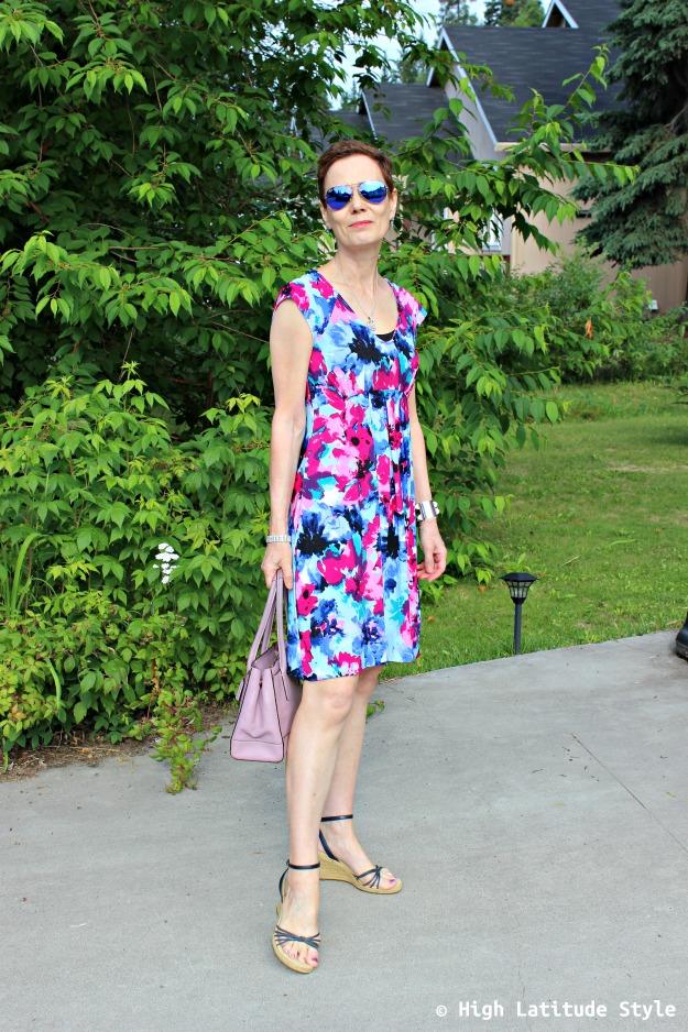 #fashionover40 woman in print dress