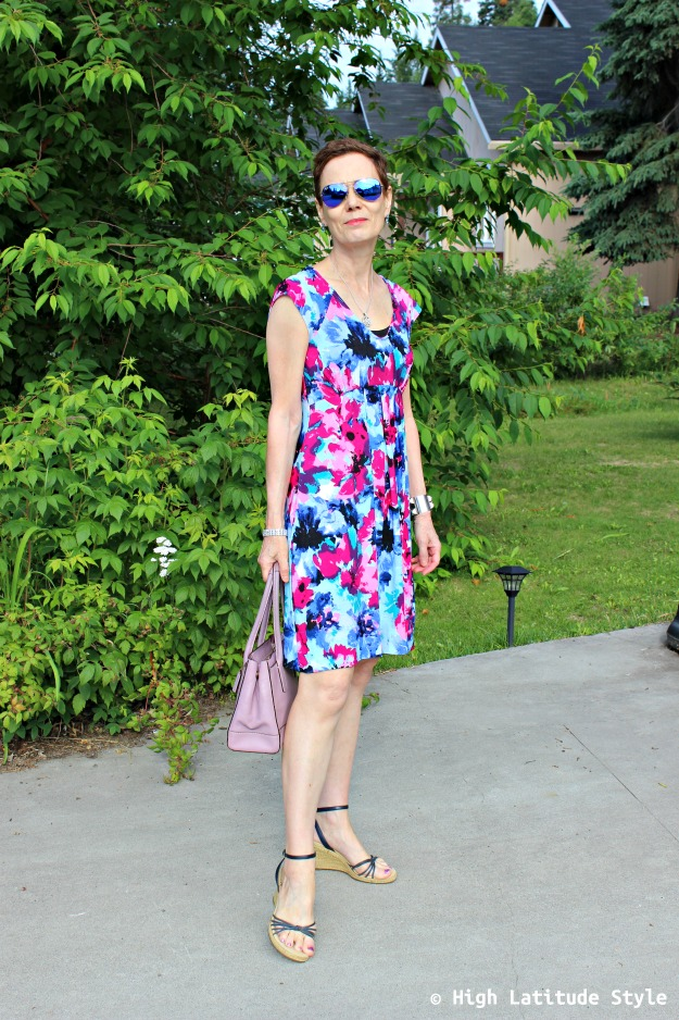 #fashionover40 woman in print dress