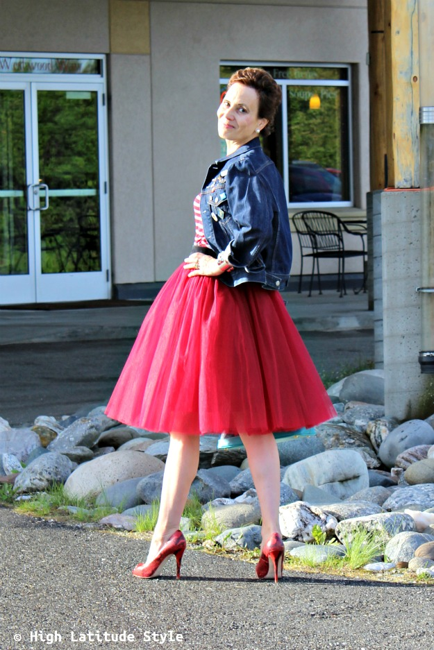 over 50 years old fashion blogger looking stylish in 7 layered tulle skirt