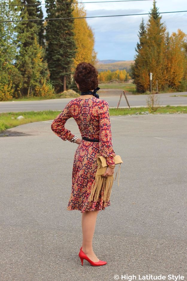 #midlifestyle woman in fall posh chic outfit