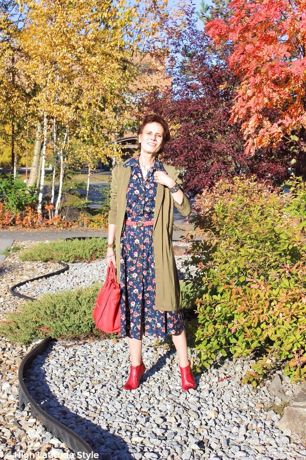 #midlifestyle woman in a posh chic in floral dress with long jacket