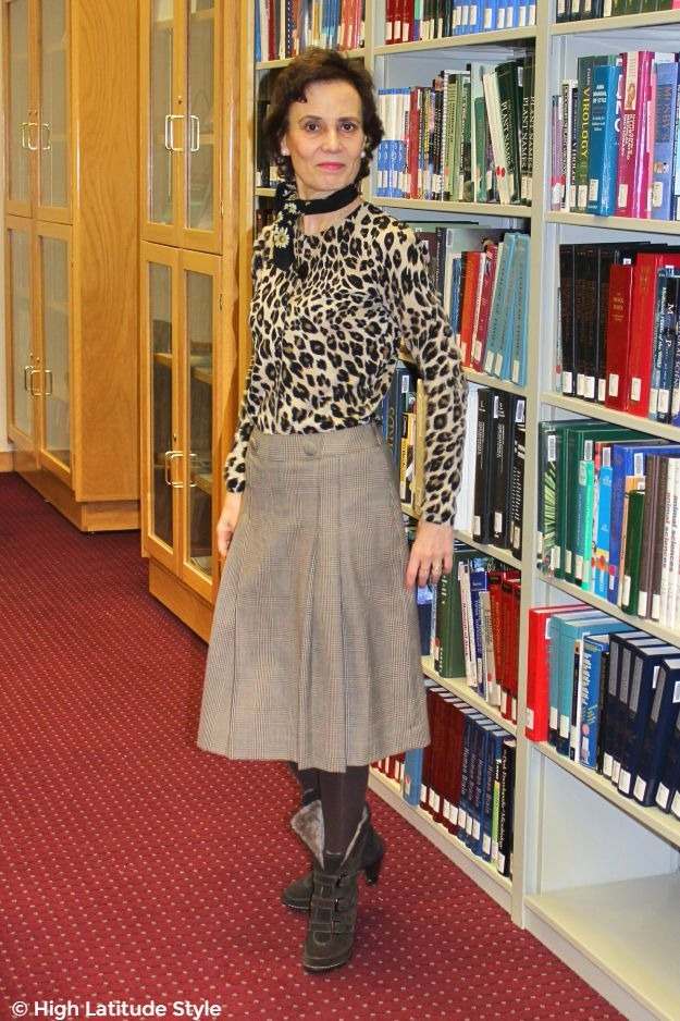 #fashionover40 #maturestyle woman in all neutral work outfit