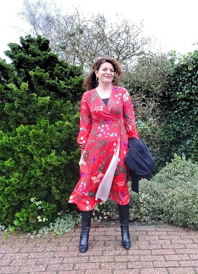 #styleover50 Nancy ins a floral dress