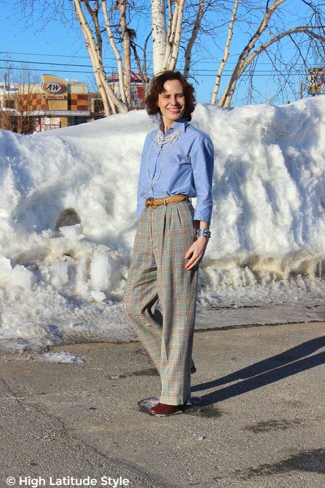 #advancedfashion woman in work attire in light colors
