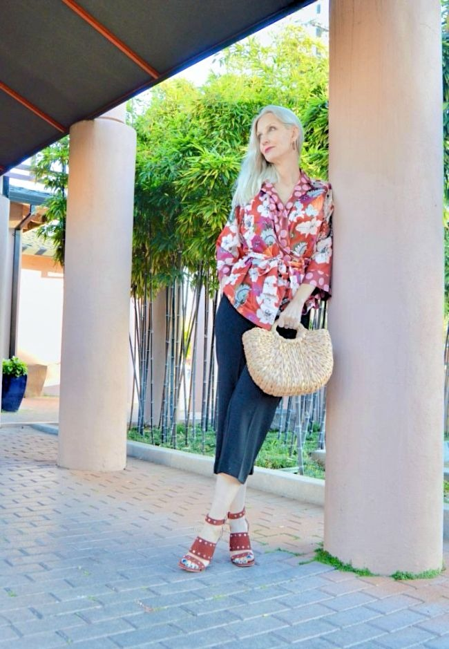 #linkup #fashionover50 top of the world ootd my fav Dawn Lucy