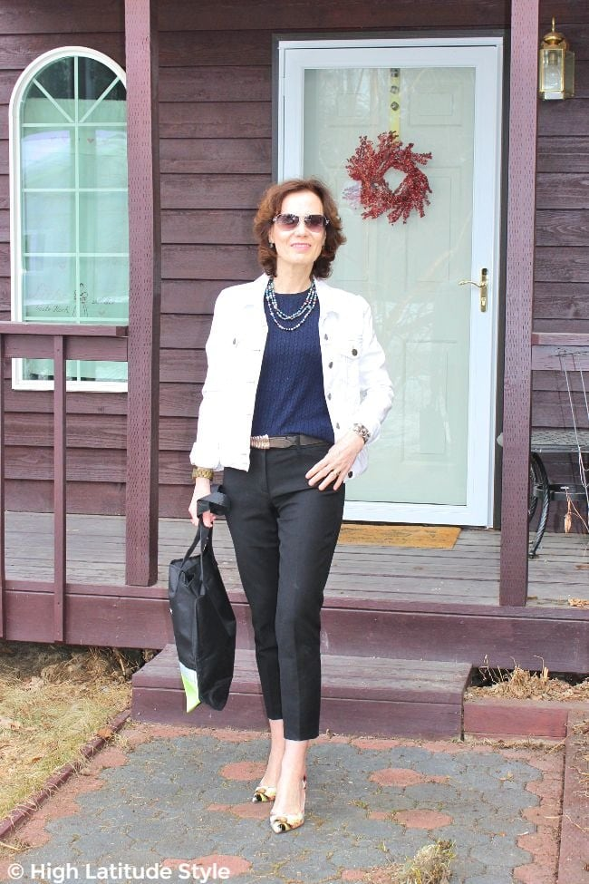 #petivefashion woman over 50 in cropped jacket and high waist cropped pants