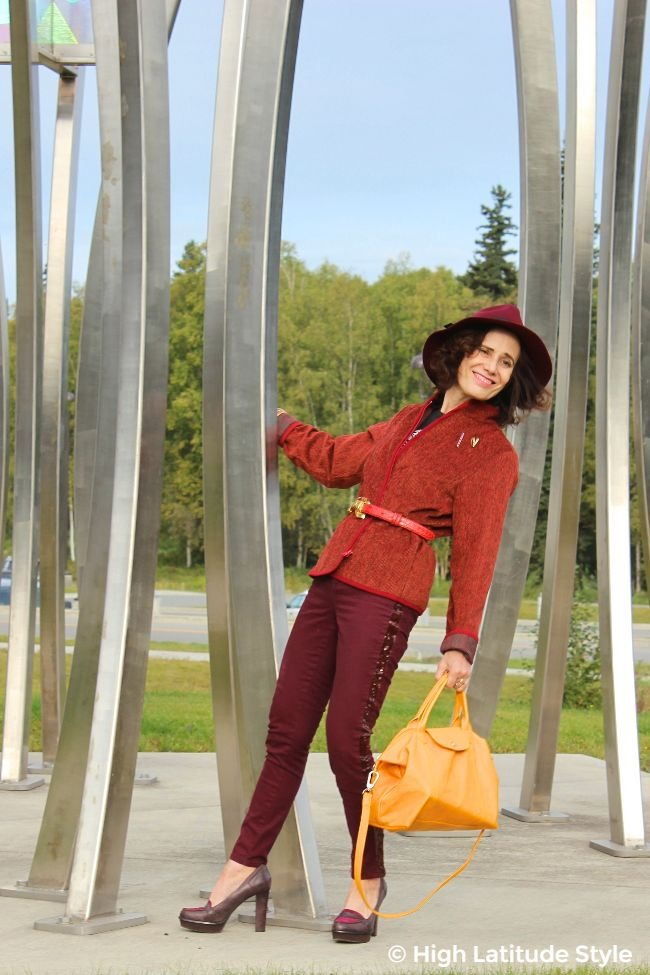#advancedstyle #TenthStreet woman in monochromatic fall outfit with matching hat
