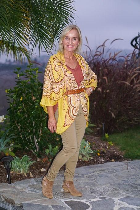 #linkup Top of the World Style Co-host Darlene of Aquamarina Style