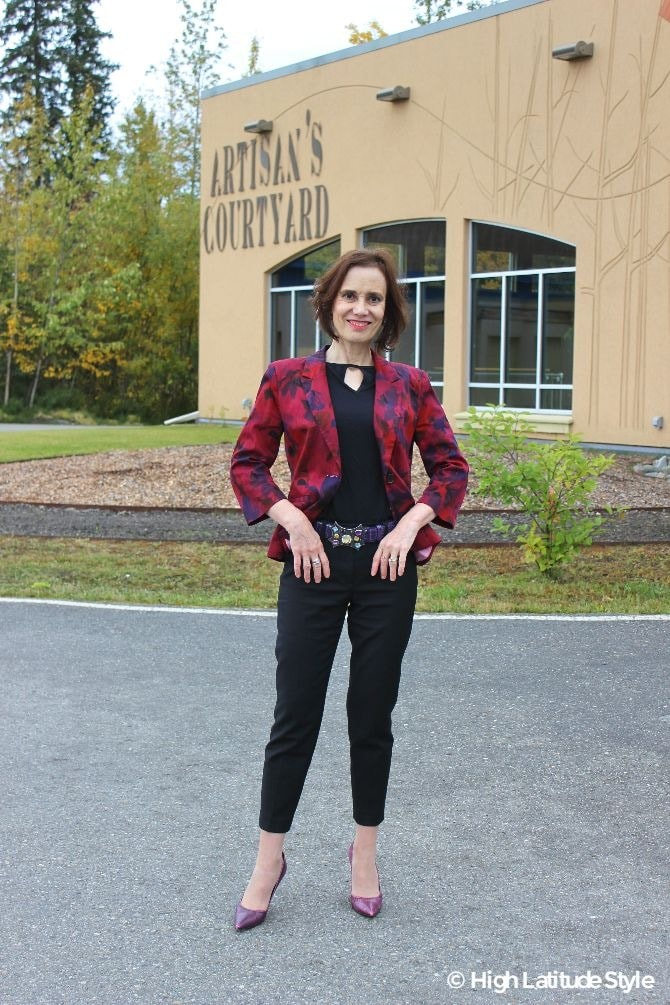 #streetstyleover50 50+ fashion blogger Nicole looking stylish in a fake pants suit