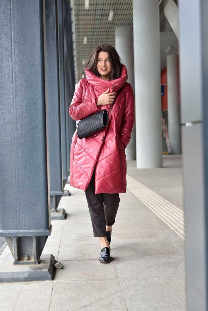East European blogger Małgorzata Trębacz Piotrowska of Pinot Noir wearing a puffer coat