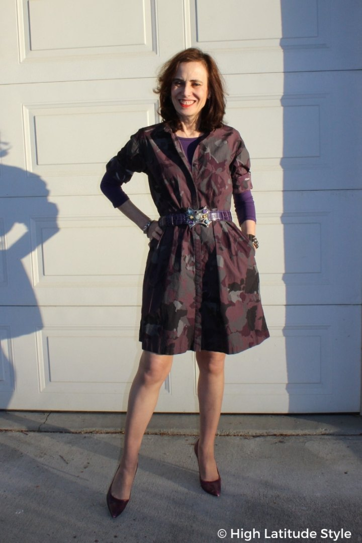 blogger Nicole in camouflage shirt dress with matching pumps, belt and halftee