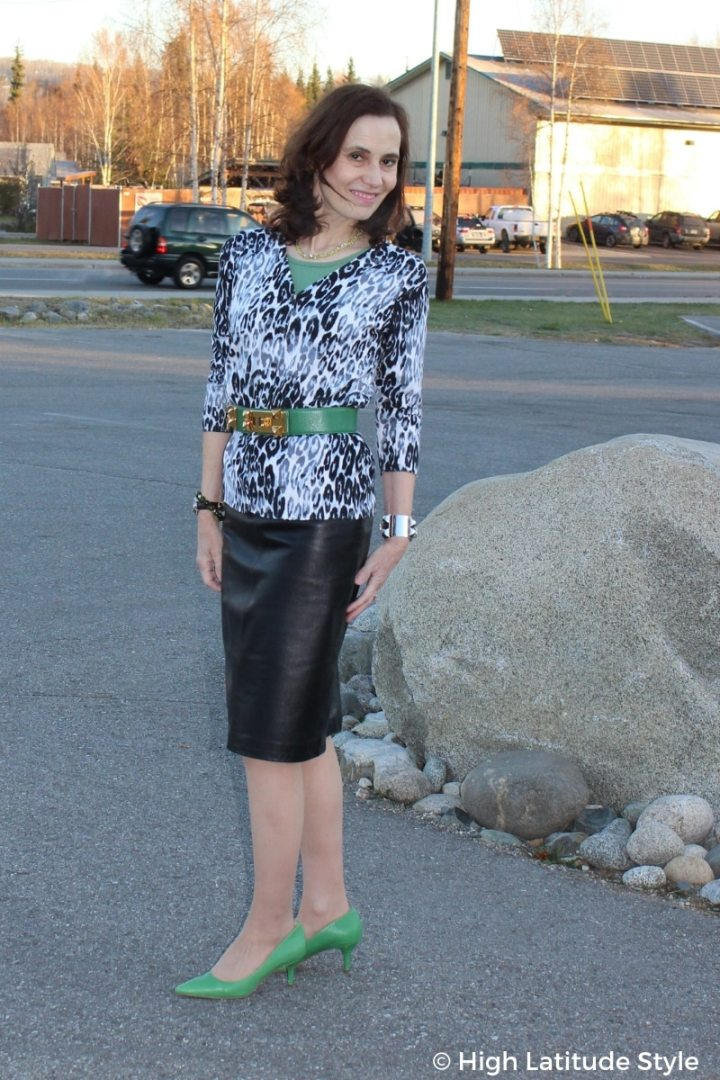 #advancedstyle style blogger Nicole in an interesting look with all neutral colors and fall trend leopard print