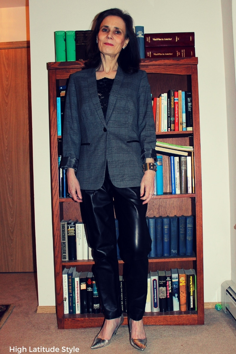 over 50 years old fashion blogger in leather joggers, blazer and camisole
