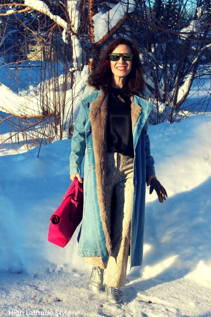 #springstyle Alaskan fashion blogger in spring outfit at the Top of the World Style linkup party