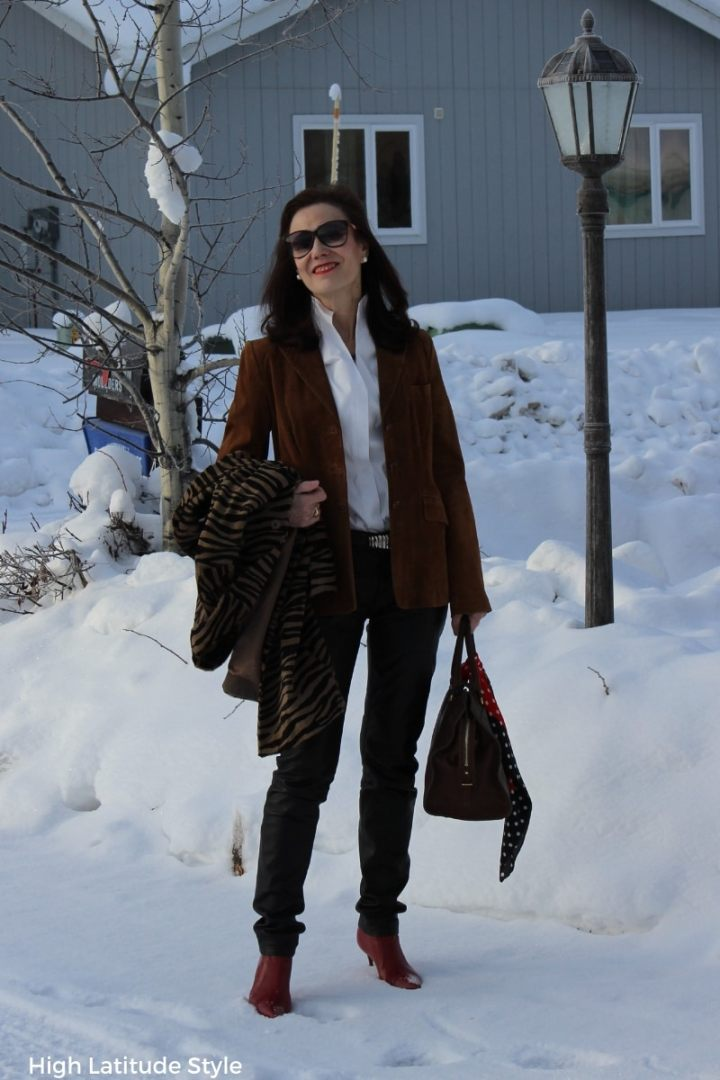midlife blogger in spring work look with trousers, jacket and blouse