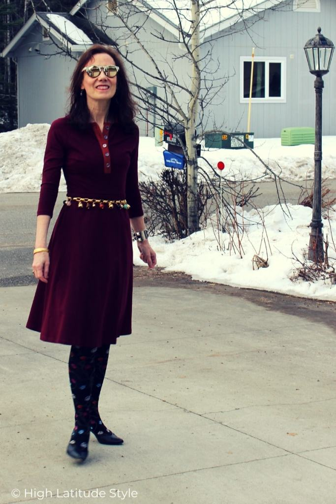 street chic woman in Pantome inspired spring outfit
