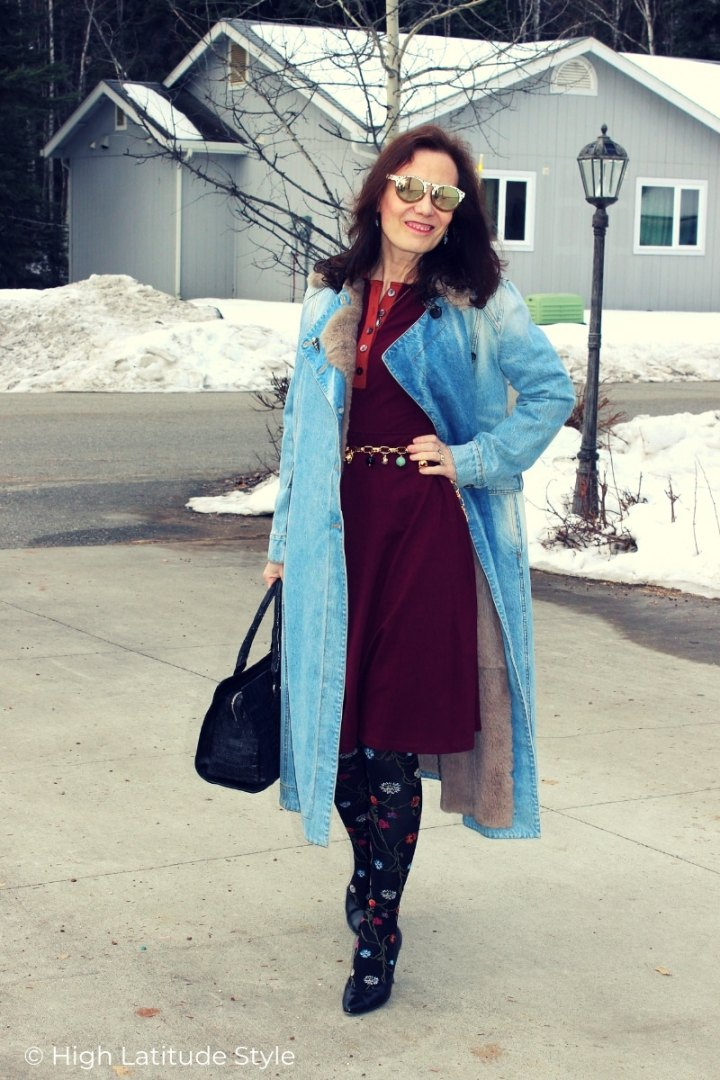 Nicole in denim coat, patterned tights, wooden sunglasses business casual look