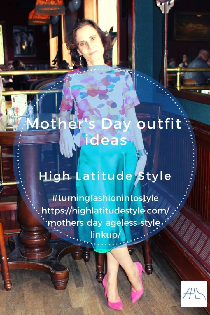 post banner for Mother'sday outfit ideas in ageless style