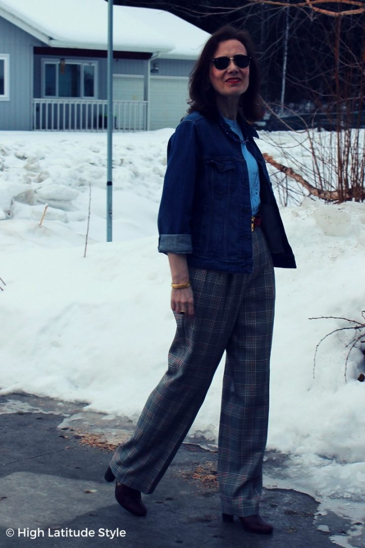 over 50 years old fashion blogger in wool pants, jean jacket, Tee and sunglasses