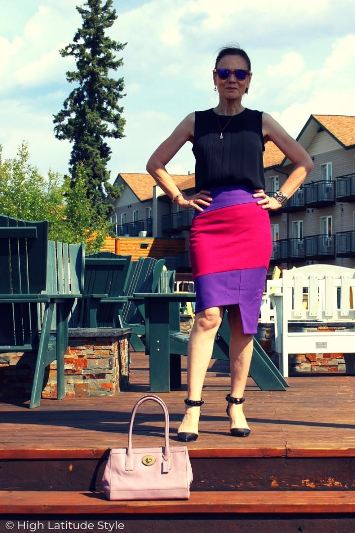 midlife blogger in posh assymetric skirt and shirt summer style