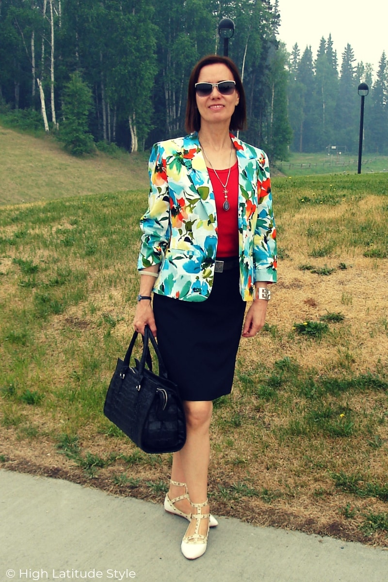 style blogger in business casual summer-to-fall transitional fake suit skirt and jacket