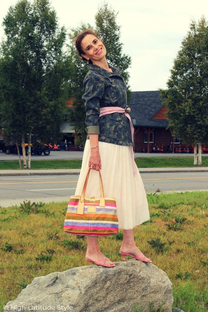 blogger Nicole in tulle skirt, utility camouflage jacket summer to fall transition outfit