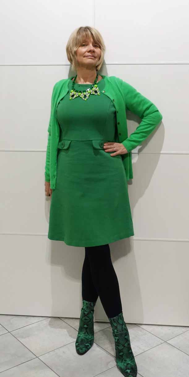 Top of the World Style Winner Gail of Is this Mutton in an all green monochromatic outfit